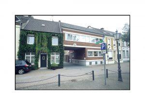 Haus mit Efeu ist Museum in Grieth
